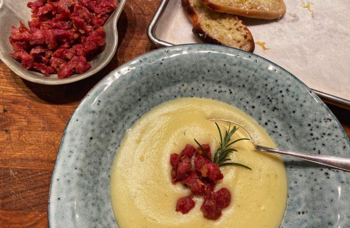 Potatis- och löksoppa