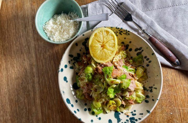 Risoni med brysselkål och tonfisk