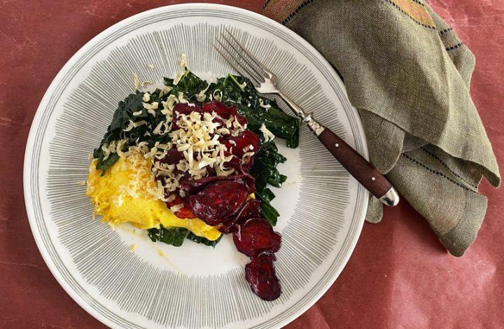 Omelett_rödbetssallad
